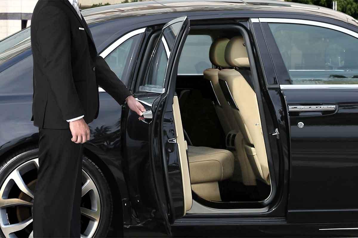 Chauffeur Vs Taxi Driver