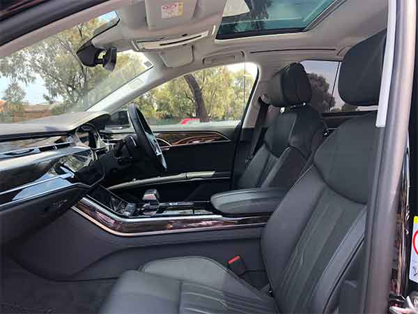 Audi A8 Frontseat